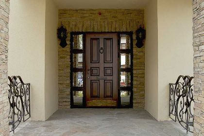 металлические двери в Бронницах